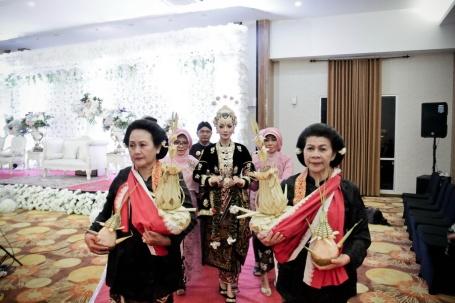 Wedding Yogyakarta Solo Semarang ~ Fitri & Bayu #13